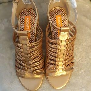 NWT Gold Gladiator Sandals, Size 6, Rocket Dog